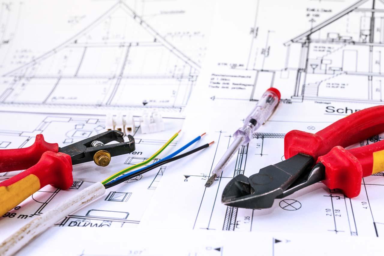 Architekt als Überwacher des Bauprojekts und Ansprechpartner des Eigentümers