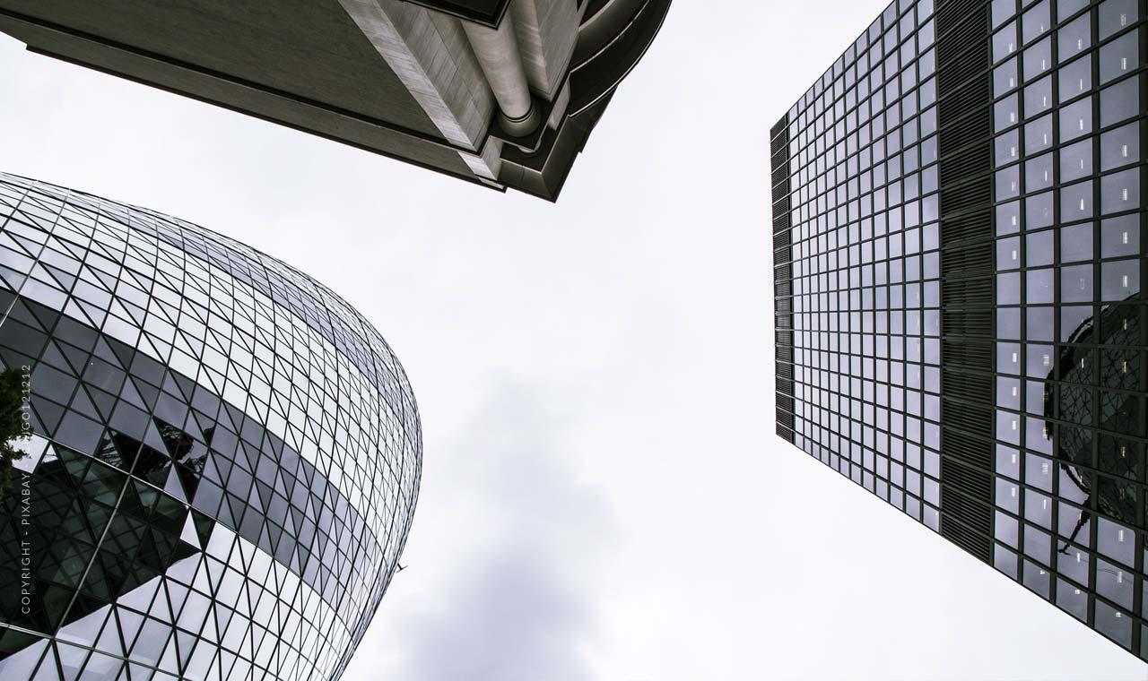 Geld anlegen: Kapitalanlage, Aktien, Immobilie - Zinsen und Statistiken