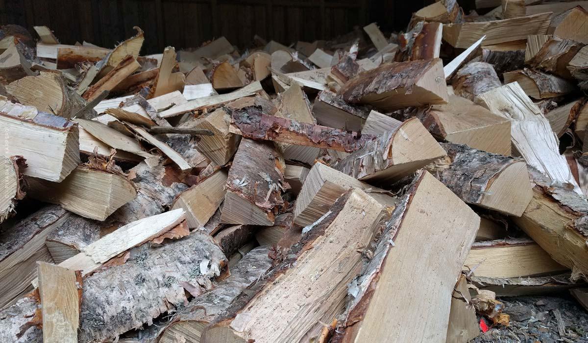 Heizen mit Holz: Holzscheit, Pellets, Energieeffizienz, Kosten + Video