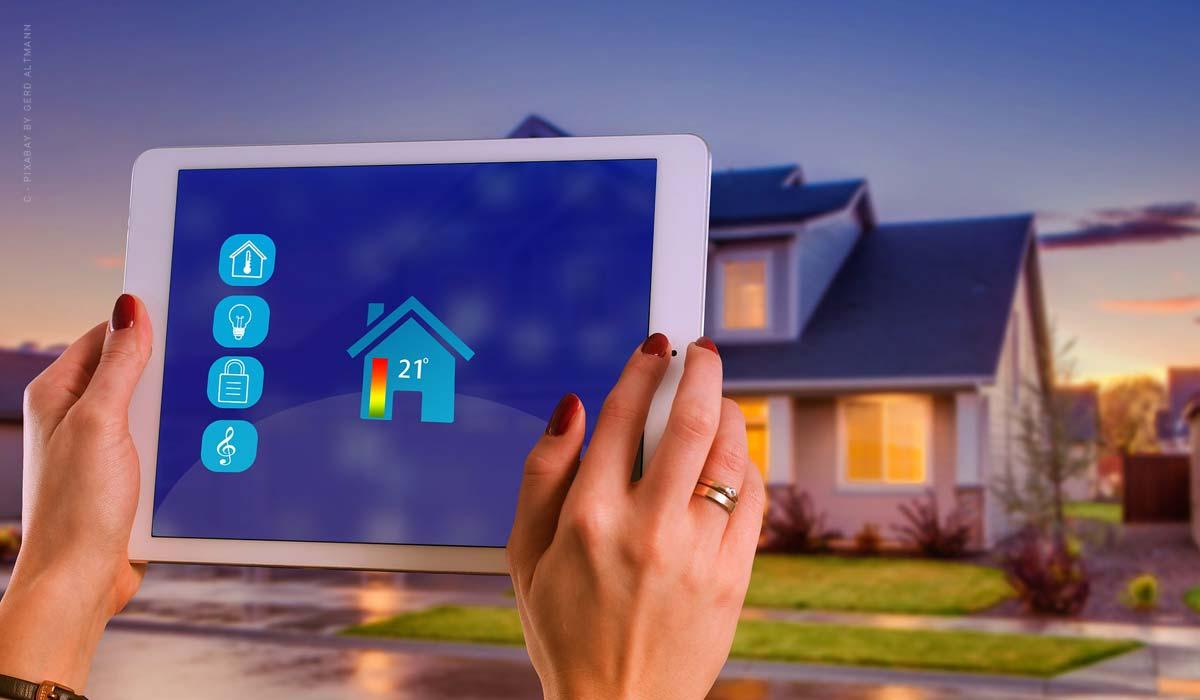 Intelligente Gebäudetechnik - Haus steuern über das Smartphone, Strom sparen & der Trend der Zukunft