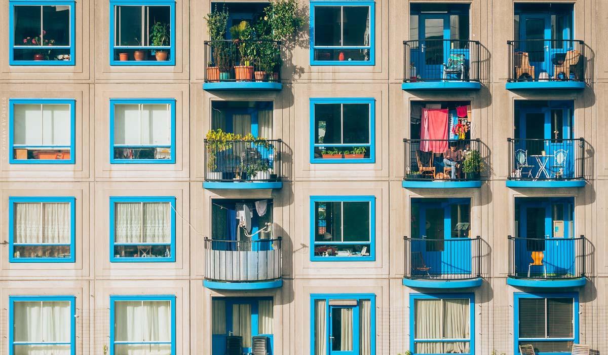 Einheitliche Fassadengestaltung - Eigentumswohnung, Farbe & Altbau