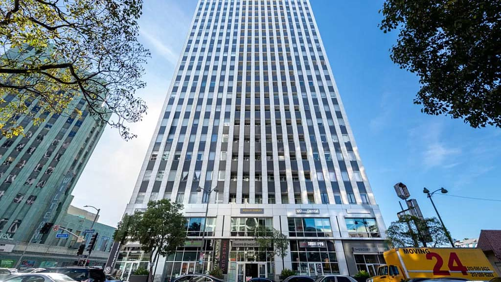 Los Angeles, CA 90010 – 3810 Wilshire Blvd APT 1105 – $845,000