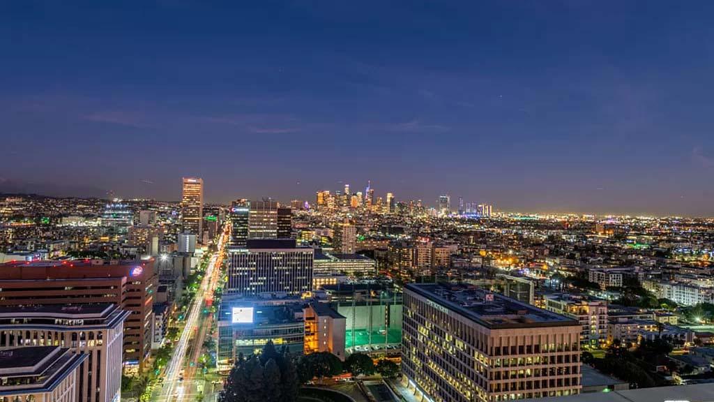 Los Angeles, CA 90010 – 3810 Wilshire Blvd APT 1105 – $845,000