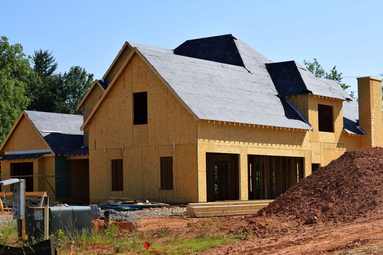 Holzhaus kaufen oder bauen: Bauformen, Tipps & Trends