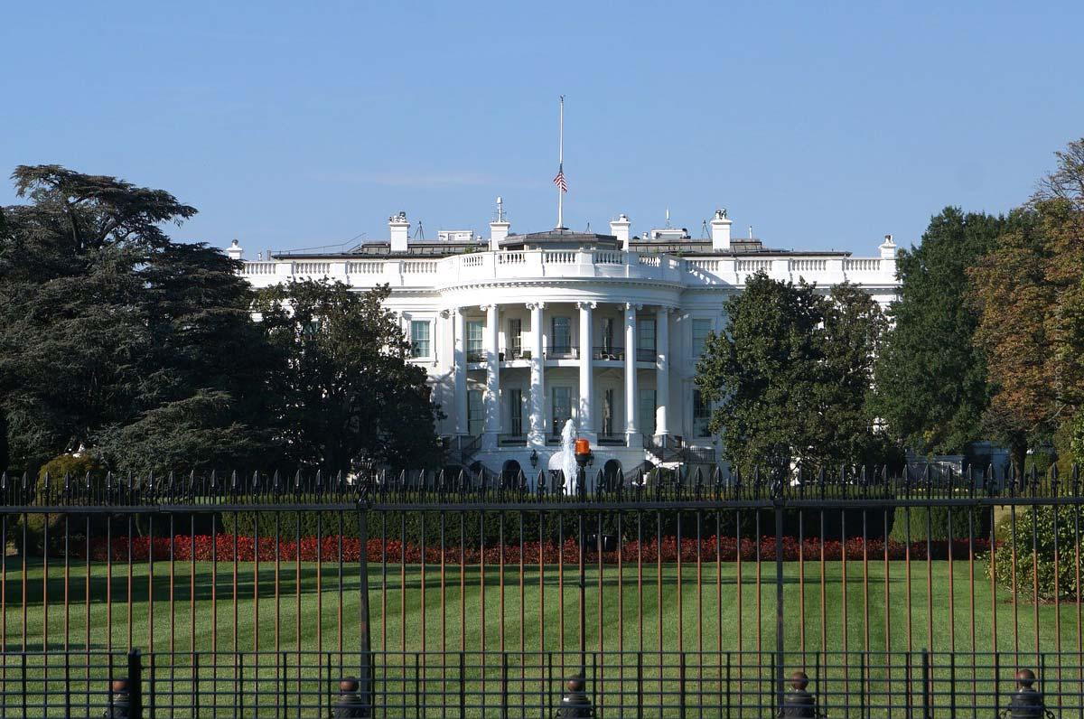US Präsident zahlt nur 750 Euro Einkommenssteuer?! Steuer Coaching, so gehts