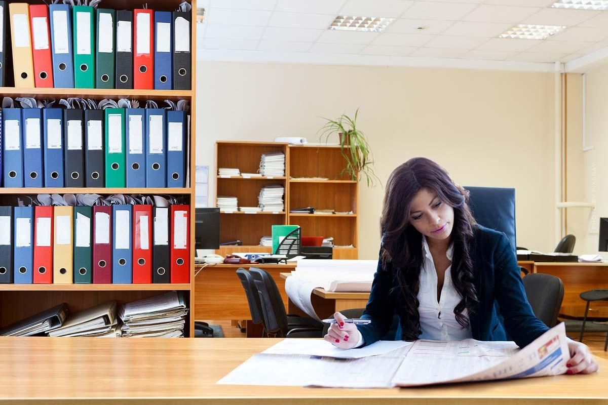 Rechtliches: Notar, Hauptvertrag und steuerrechtliche Regelungen