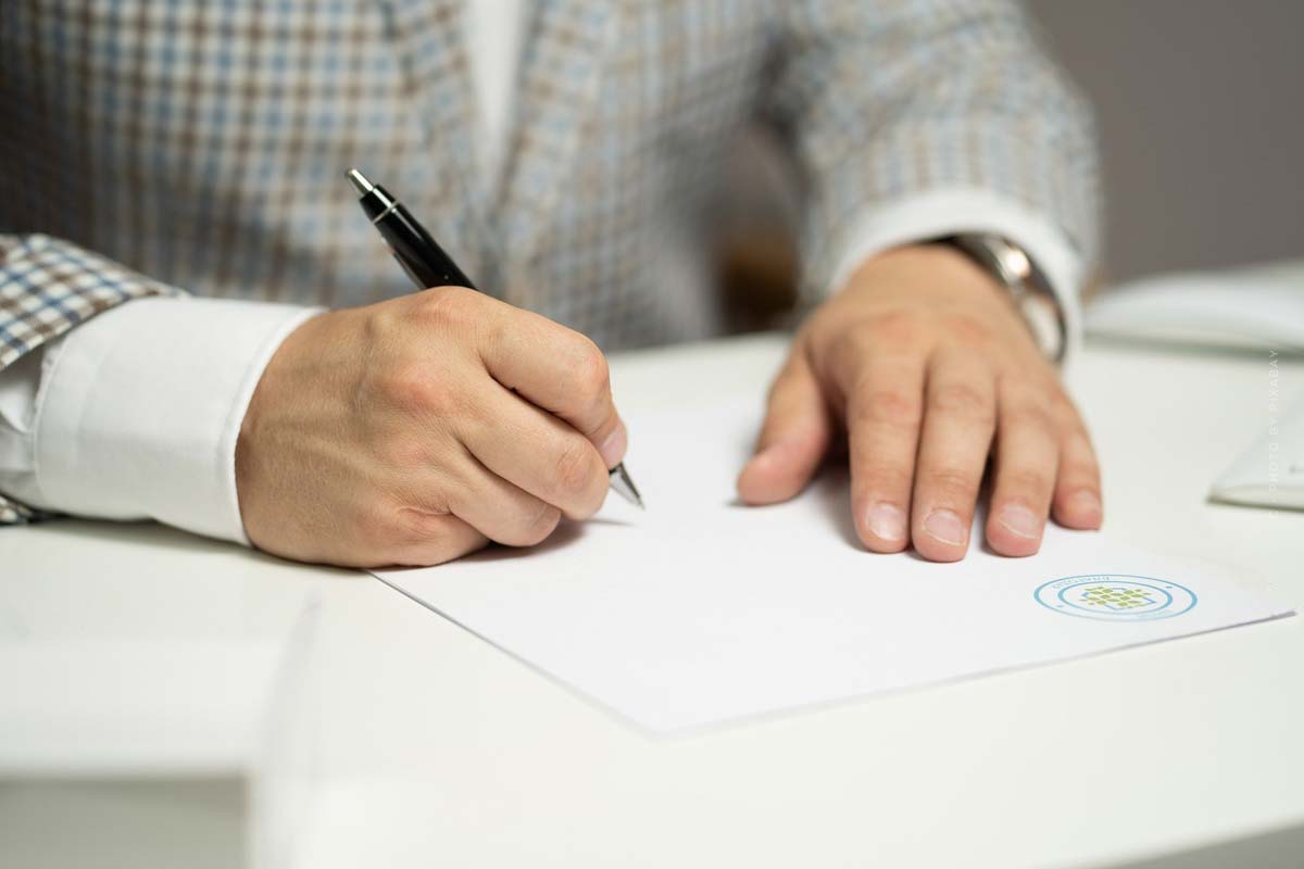 Immobilie privat vermitteln: Käufer, Verkäufer und Kaufvertrag - Ablauf