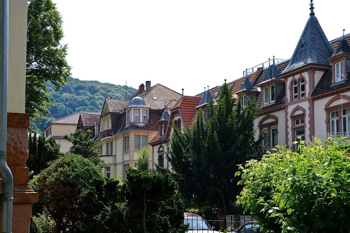 Villa verkaufen: Ablauf, Kosten, solvente Käufer und Spekulationssteuer