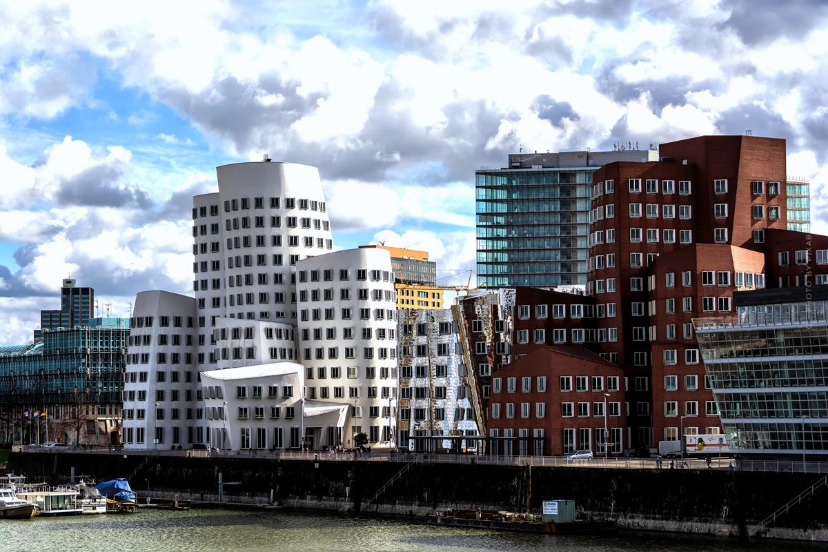 Wohnen in Düsseldorf: Exklusive Luxusimmobilien am Rheinufer in Oberkassel, Altstadt & Golzheim - Tipps, Quadratmeterpreise und  Co.