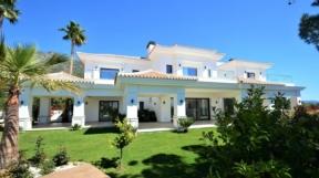 """Villa in Marbella: Haus, Grundstück, Pool – Leben in der """"Golden Mile"""" für 4.4 Mio. Euro"""